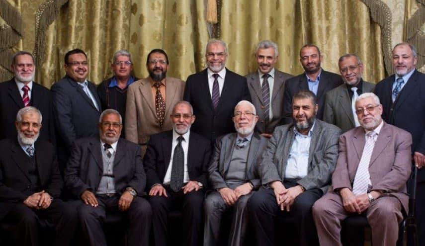 الرئيس مرسي الإخوان المسلمين الثورة المصرية